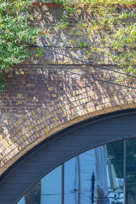 Borough Market, 2019 using Renson's 414 curved louvre.