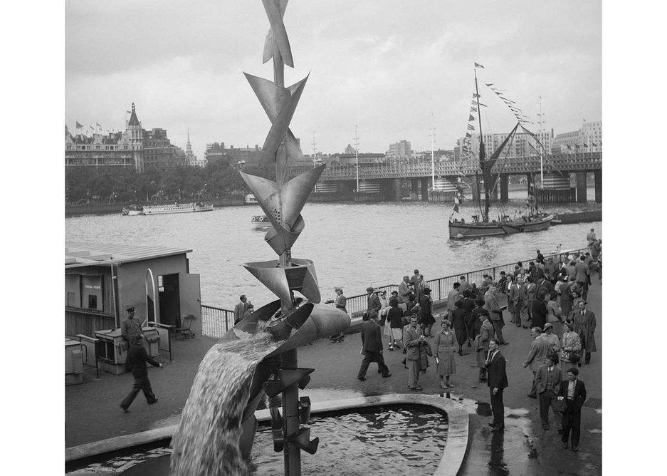 Richard Huw's mobile water sculpturem Festival of Britain, 1951.