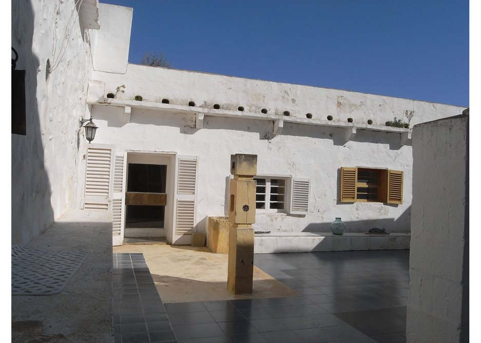House courtyard.