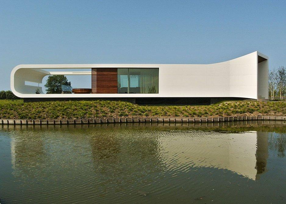 New Water Villa in Westland, the Netherlands, by Waterstudio