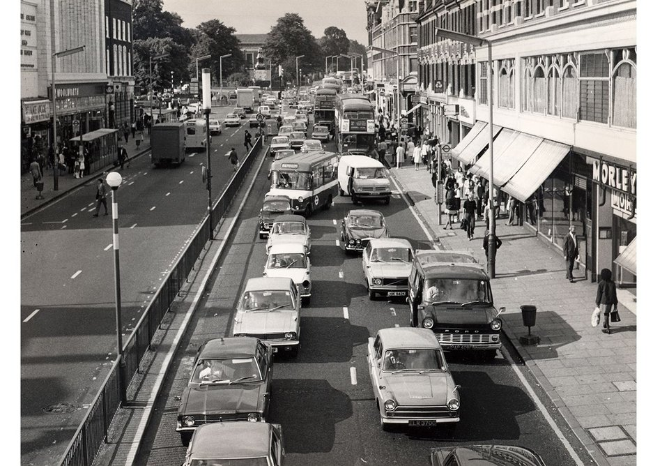 Traffic jams from another time. High view along Brixton Road during AM rush hour_1965-1975. TfL from the London Transport Museum www.ltmuseum.co.uk.