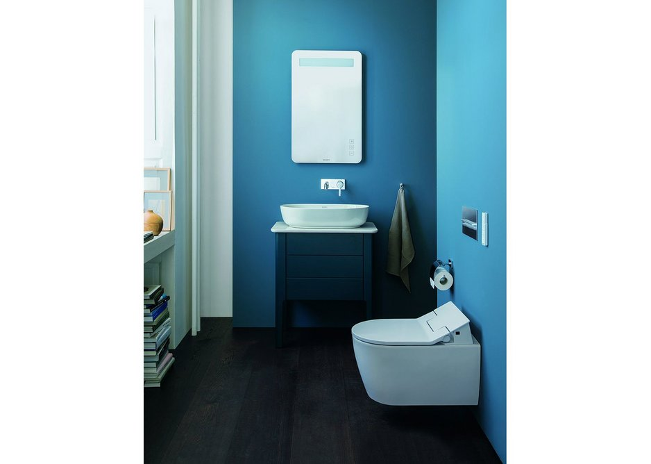 Toilets from the ME by Starck series can be optimally combined with Luv and with the SensoWash Slim shower-toilet seat.