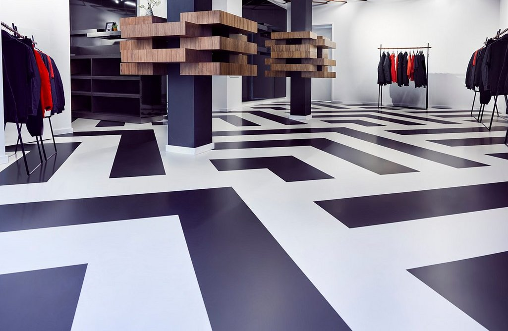 Arturo resin flooring: Striking patterns can be created using blocks of colour.