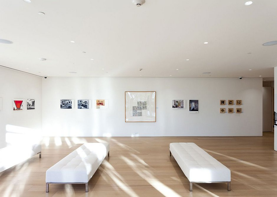 Exhibition view of Richard Meier & Frank Stella Space & Form, at the Surf Club in Surfside, Florida. Courtesy Richard Meier & Partners Architects.