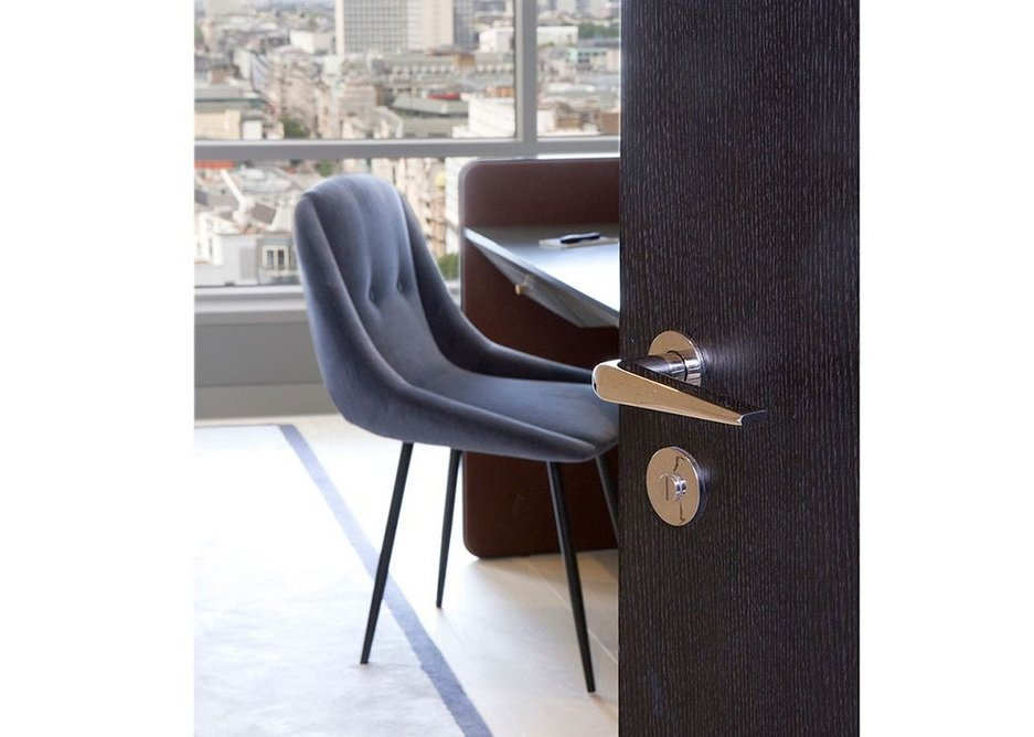 Samuel Heath bespoke door furniture has been fitted in 82 apartments and throughout the communal areas of the new-look Centre Point Tower.