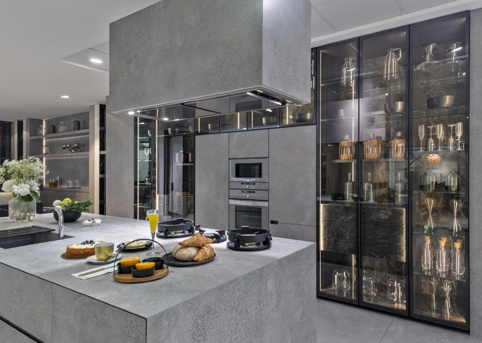 Neolith New York-New York and Amazonico sintered stone in the kitchen showroom.