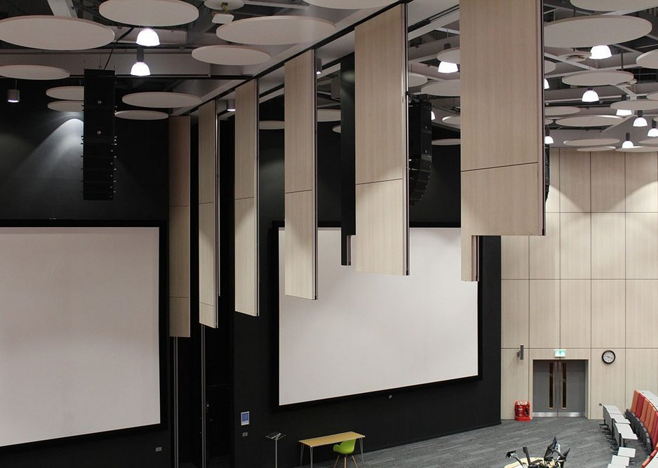 Style's innovative, automatic partitioning solution allows the auditorium to be quickly divided at the press of a button.
