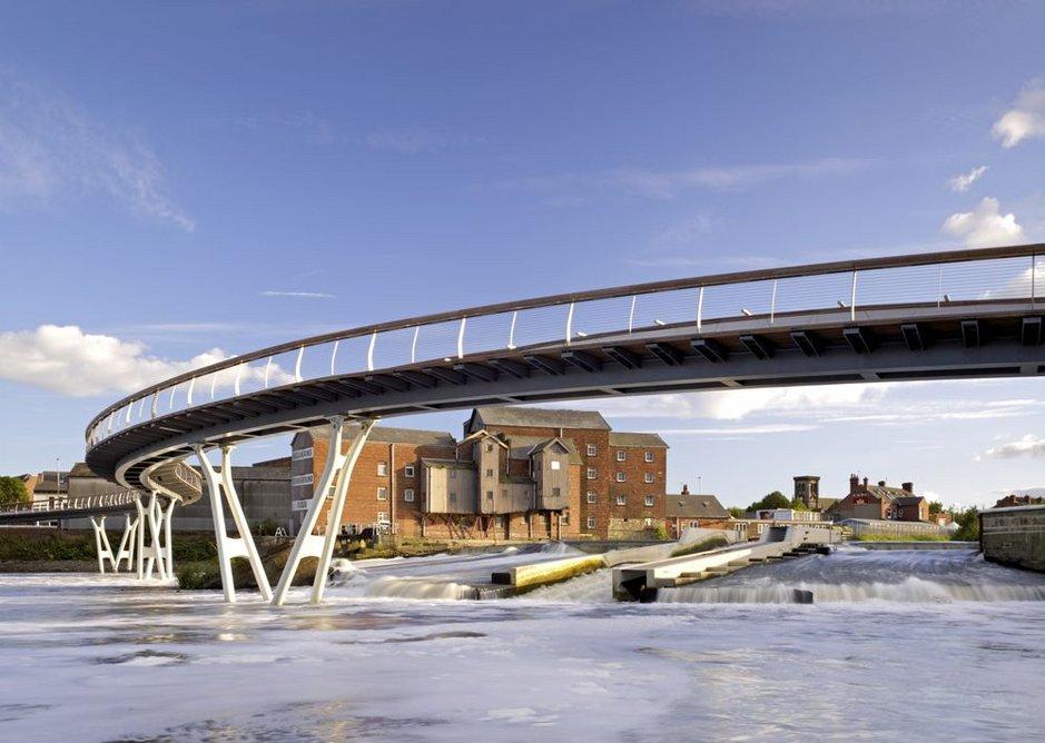 Castleford Bridge, Wakefield (2008). Structural engineer: Alan Baxter Associates. Architect: McDowell+Benedetti.