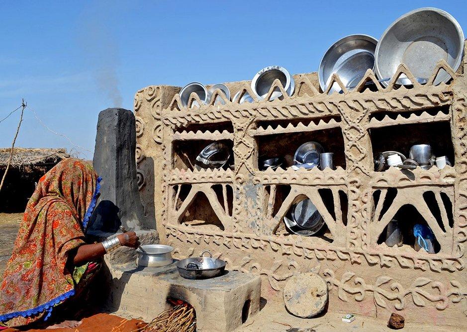 Yasmeen Lari's stove platform.