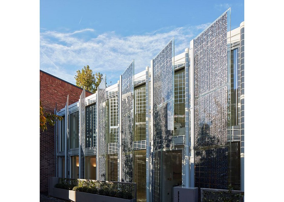 The solar screens are fixed at an angle of 45 degrees to give only oblique views while enabling daylight to filter through. Photo: Dennis Gilbert. Courtesy HCL Architects.