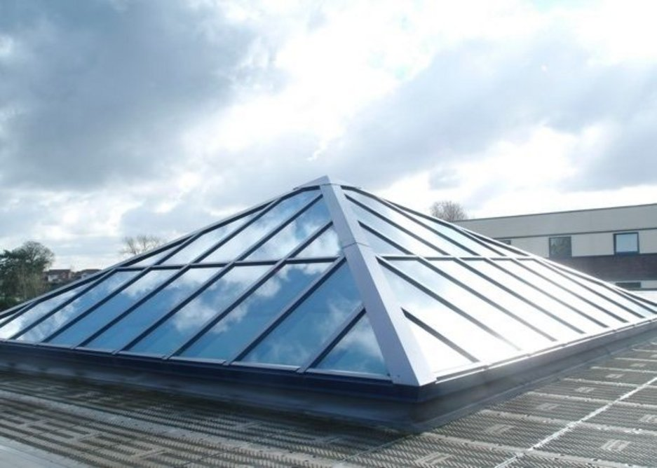 Xtralite manufactures structural glazing solutions in glass, polycarbonate and its own Lumira option.