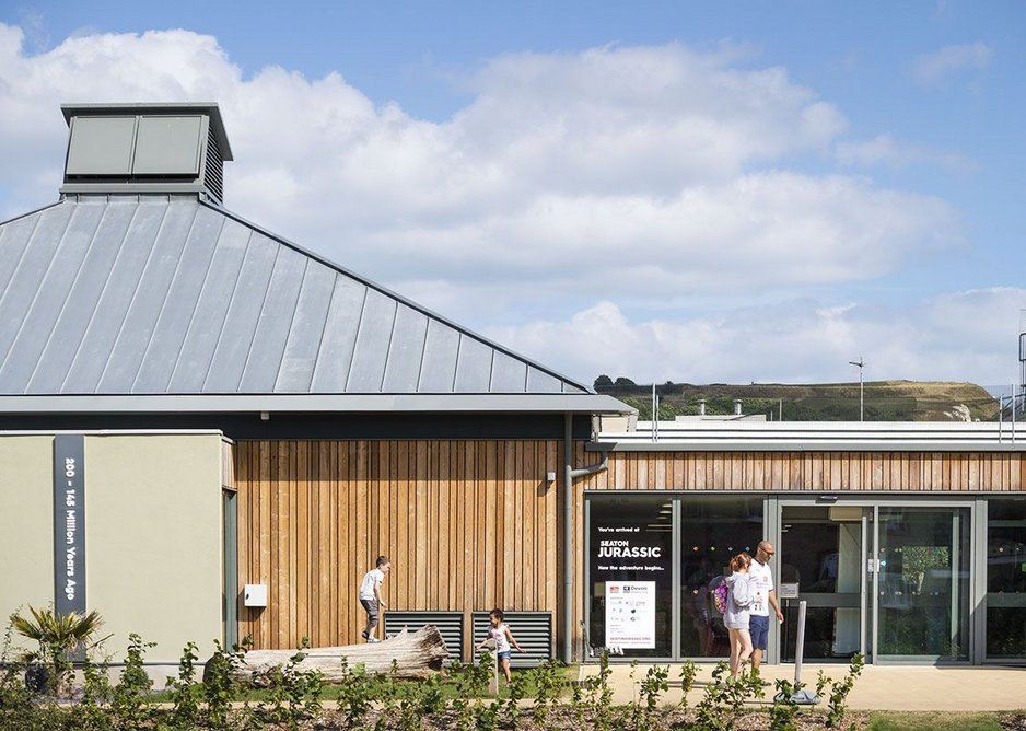 A grey finish was chosen for the aluminium framing to complement the zinc roof.