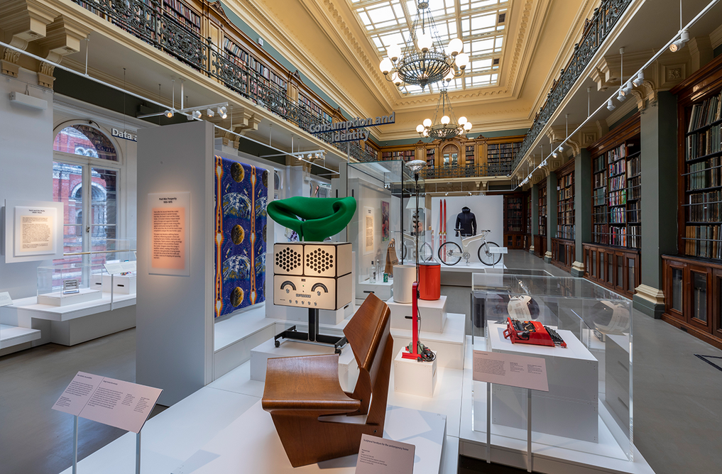 3 Installation shot of the new Design 1900 – Now gallery at the V&A, with Mae West Lips sofa designed by Salvador Dalí (or Dali) and Edward James, 1937-8 shown in the centre).