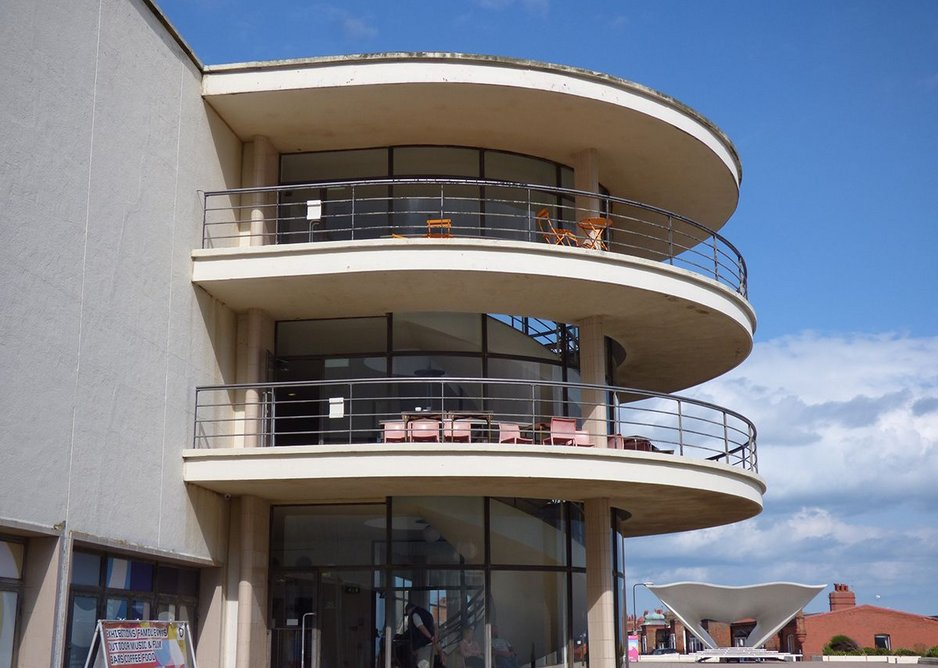The 1935 De La Warr Pavilion in Bexhill by Mendelsohn and Chermayeff – a healthy building.