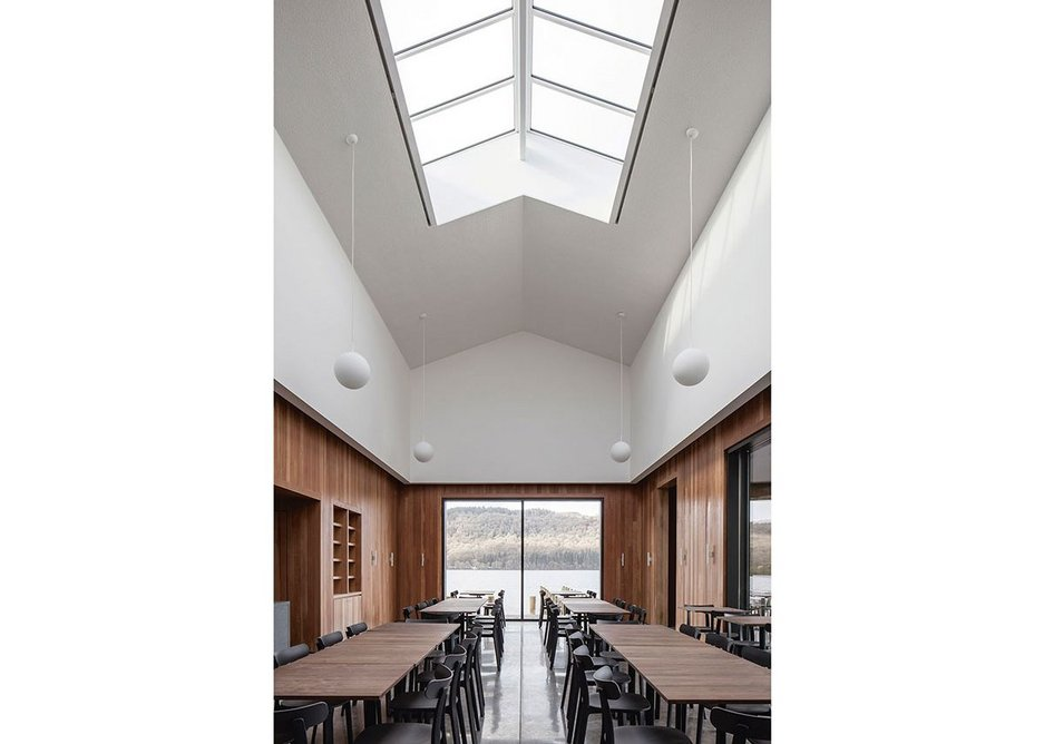 The new café with its rooflight is reminiscent of a pleasure cruise boat.