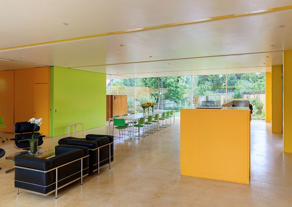 Richard Rogers's Wimbledon House, with kitchen to the right. Photograph by Iwan Baan.