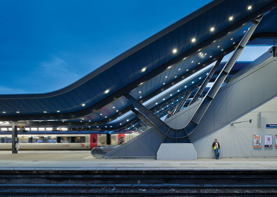 Repetition accentuates the visual impact of the dynamic canopy structure, which is highlighted with a distinctive blue soffit