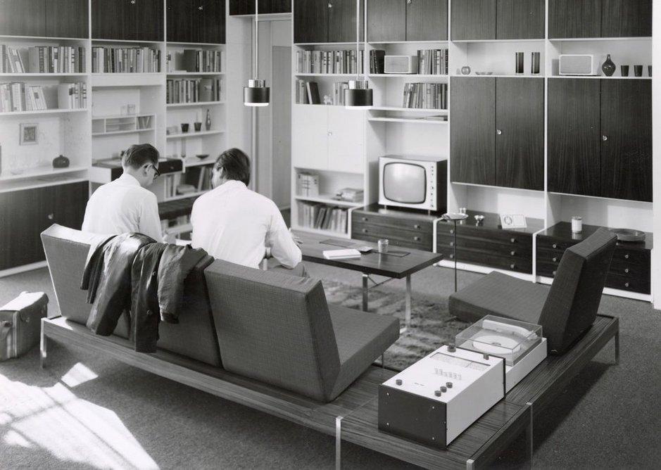 MDW shelving system (1967), designed by Rudolf Horn and Eberhardt Wüstner, archive Rudolf Horn.