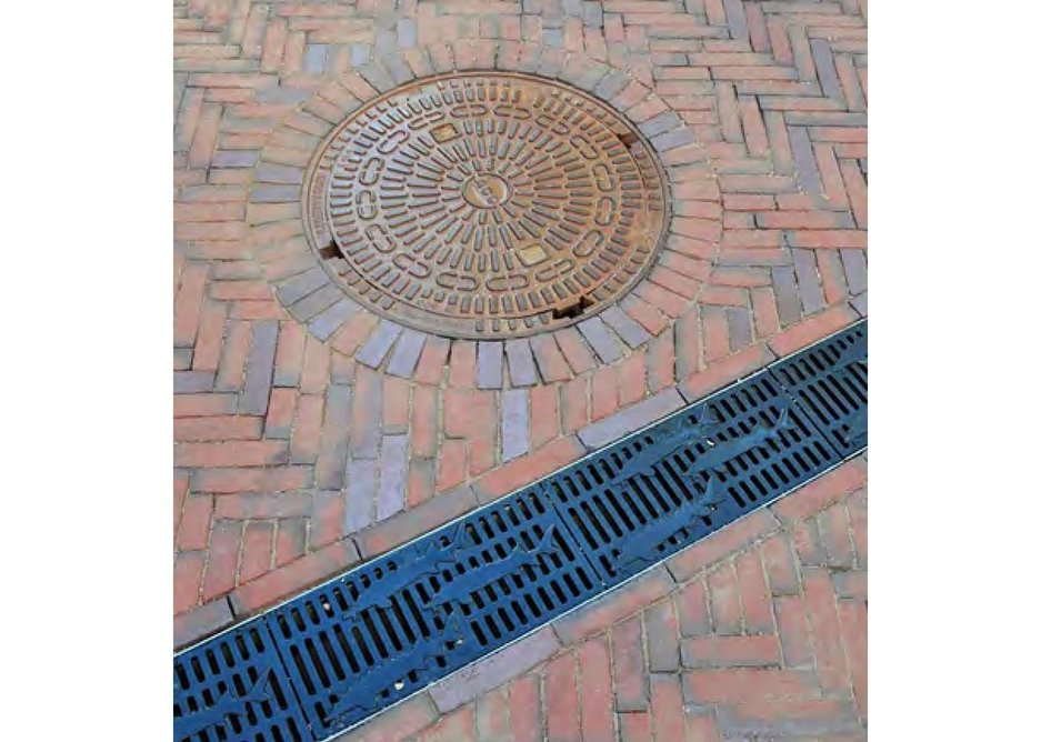 Seamlessly balancing the old with the new: traditional clinker bricks and the unique sturgeon pattern drainage