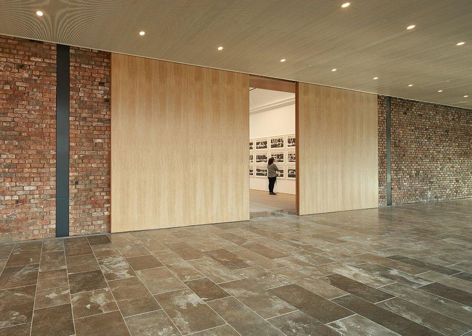 Glimpse into central exhibiton gallery from promenade.