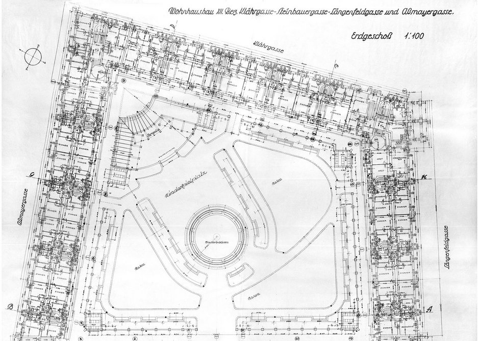 Plan of Karl Marx Hof, Vienna. Completed in 1930 during an intense period of municipal socialism.