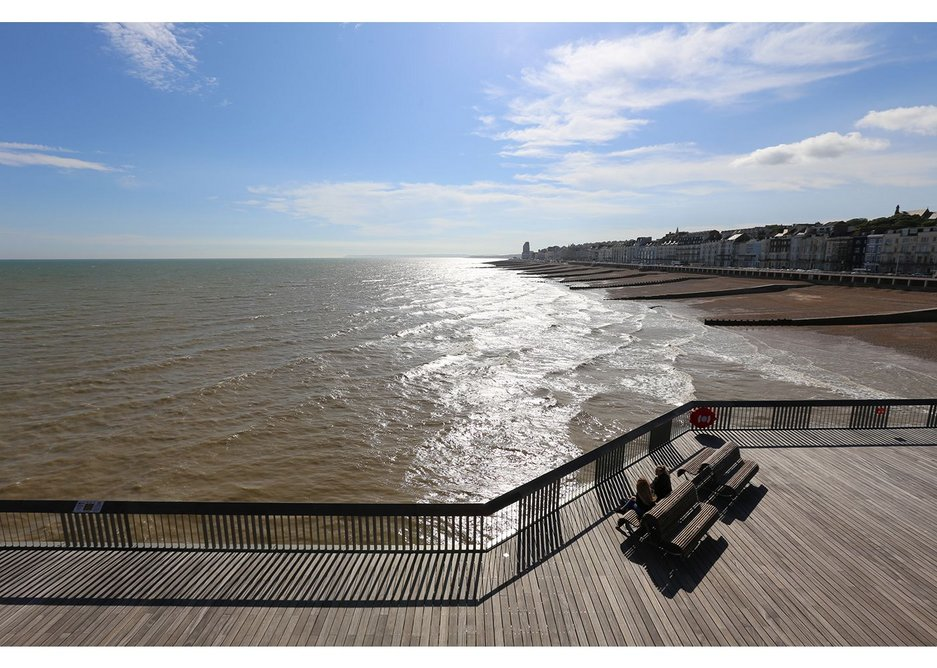 dRMM's design has a very simple concept where visitors can soak in the sea views and fresh air.