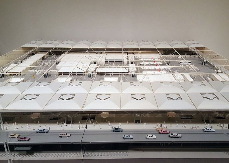 Image of Foster + Partners' Stansted Airport model.