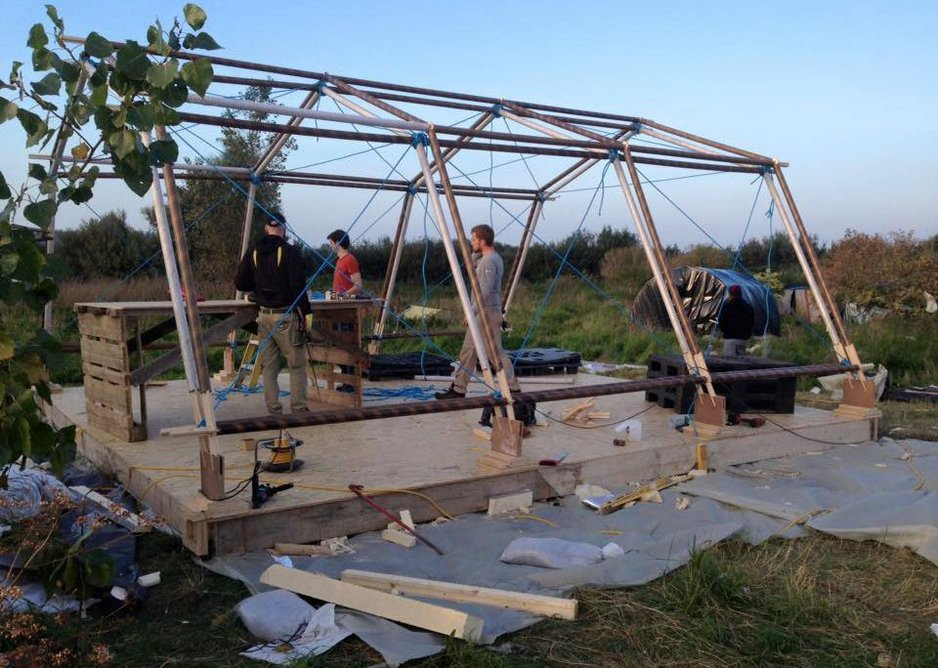 Calais Builds - child and women's centre