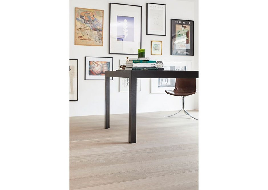 Oak Boulevard's white oil finish allows the natural grain of the timber to shine through.