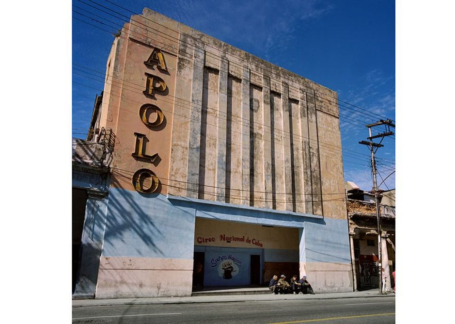 Cine Apolo Havana.
