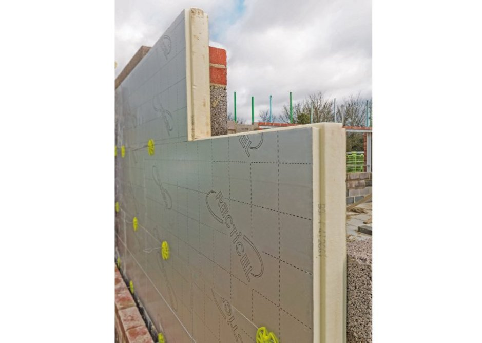 Eurowall+ insulation board features a tongue-and-groove joint on all four edges.