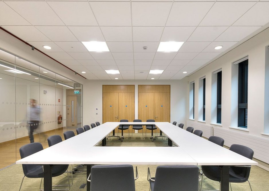 Rockfon Blanka has a smooth, deep matt, super white surface with high light reflection and light diffusion to create a bright and comfortable environment.