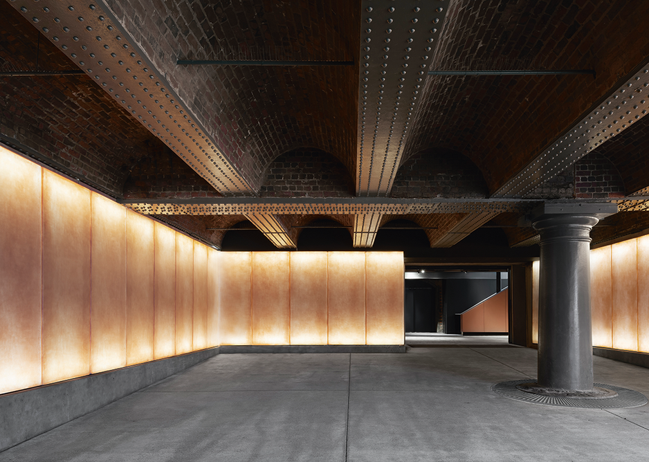 The entrance area of the new gallery draws you in and intrigues with strange materiality.