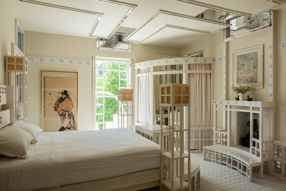 The Four Square Room is Jencks' bedroom with many iterations of the subdivided square motif.