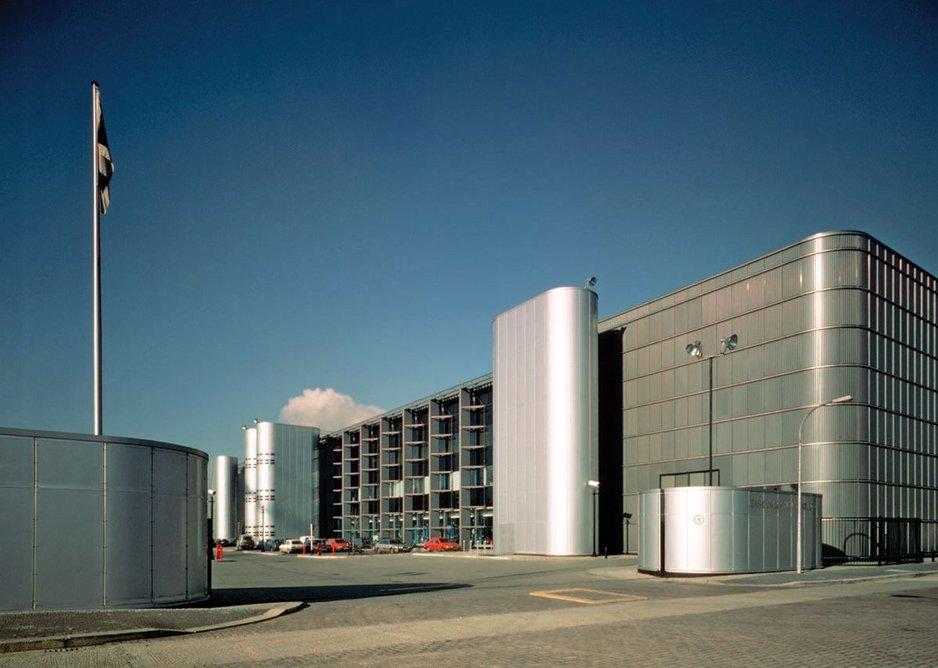 1986 - 1988: Financial Times Printworks, London, UK.