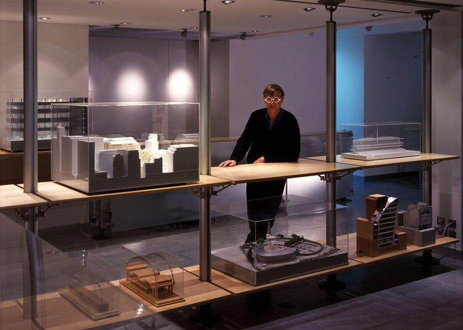 1997: Profile 1 Furniture System.