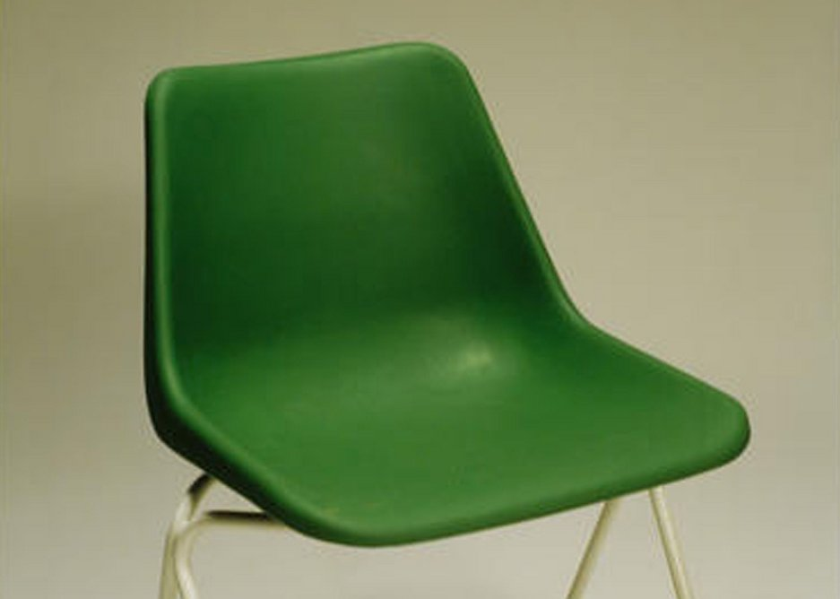 Robin Day's Polypropylene stacking chair .