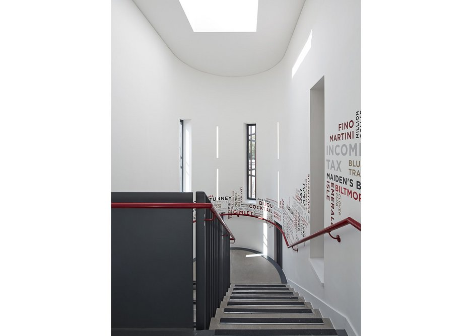 Light stairs for the visitors, despite the tightness of window dimensions.