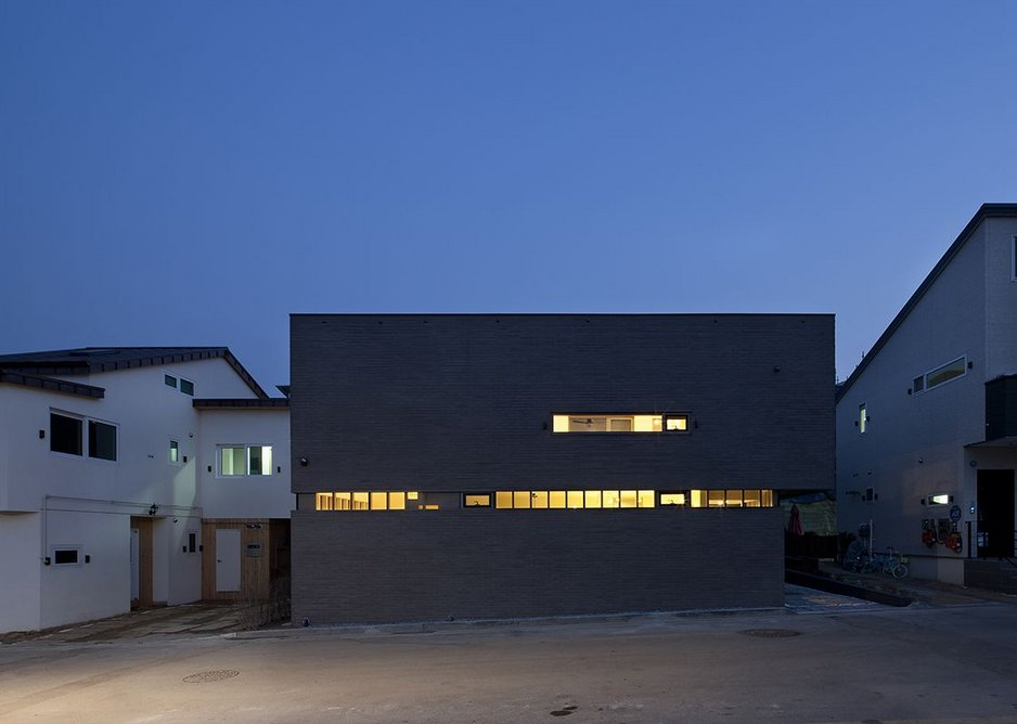 Stripped back for privacy Black-box House by UTAA.