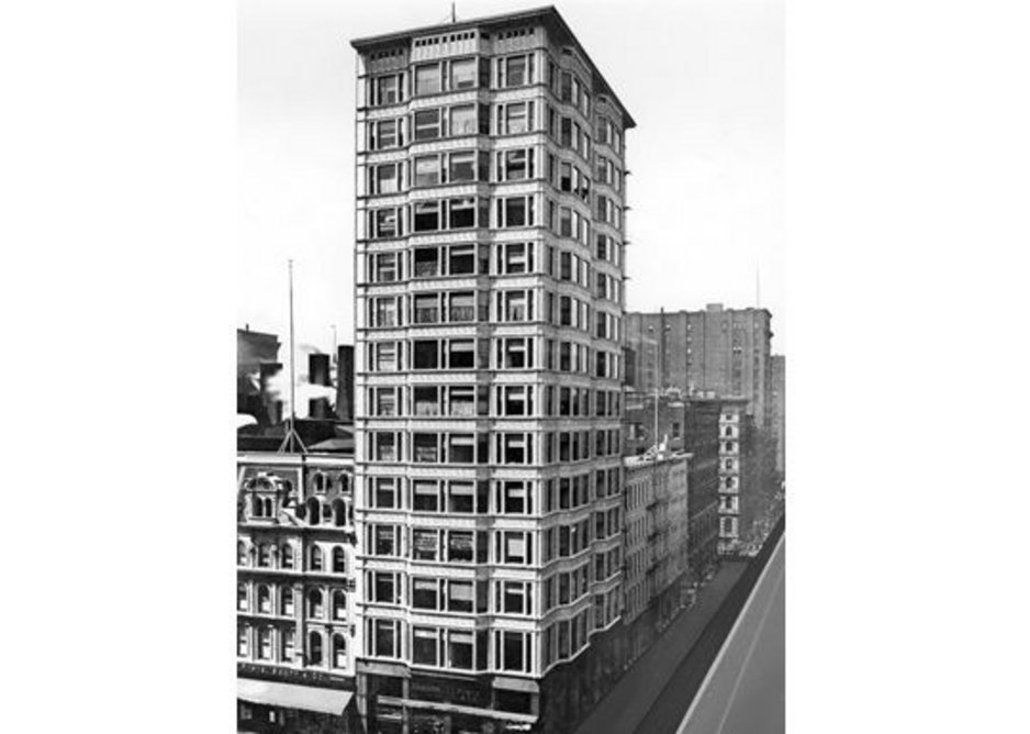Rebuilding Chicago: Reliance Building by Atwood, Burnham & Co, North State Street, 1890-95.