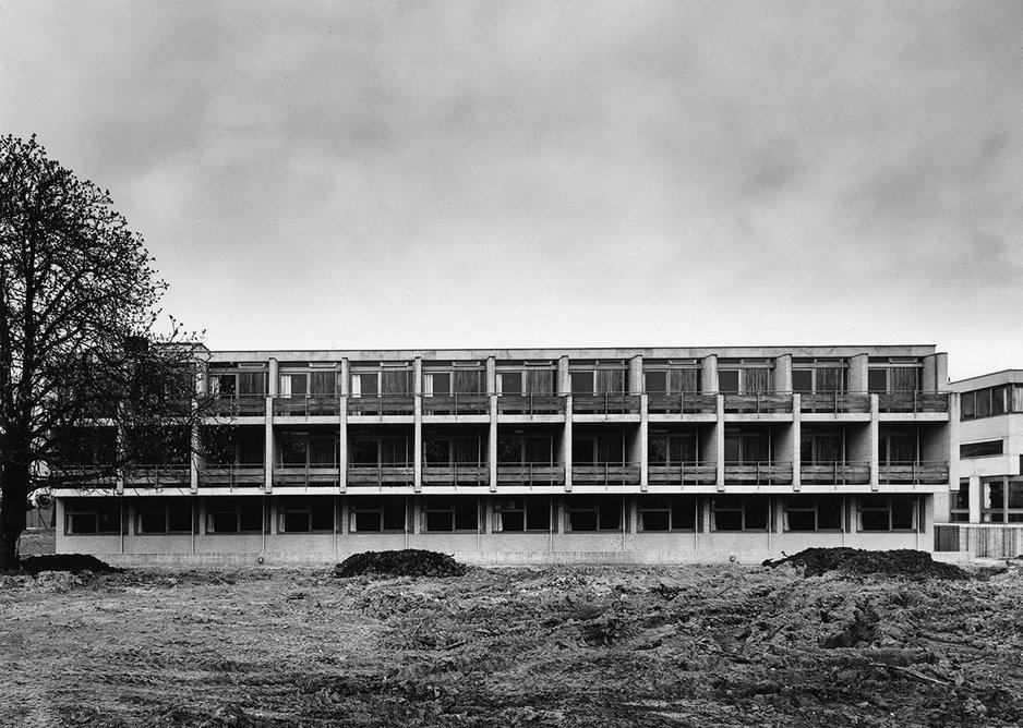 College Hall, Knighton, University of Leicester, designed by Trevor Dannatt and Sir Leslie Martin, 1960.