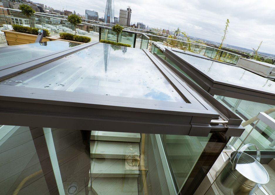 Glazing Vision's thermally efficient boxlights at The Music Box feature a solar-control glass coating that reduces solar gain while maintaining light levels.