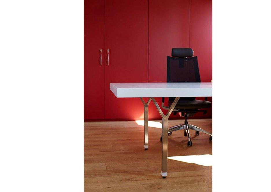 Workspace desk in HI-MACS Alpine White.