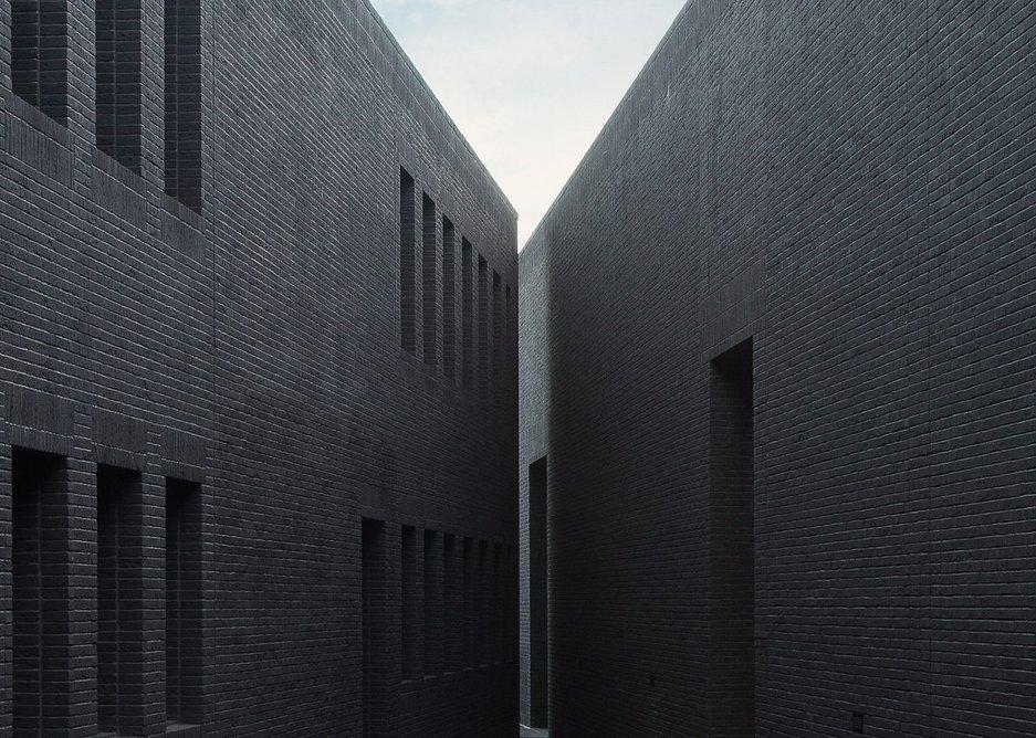 Vandersanden's award-winning Morvan brick at the Gdańsk Shakespeare Theatre. It is the blackest handform brick available.