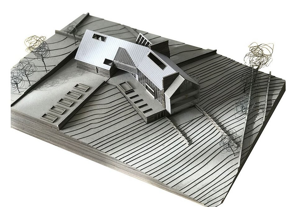 Model of the Para 79 house.