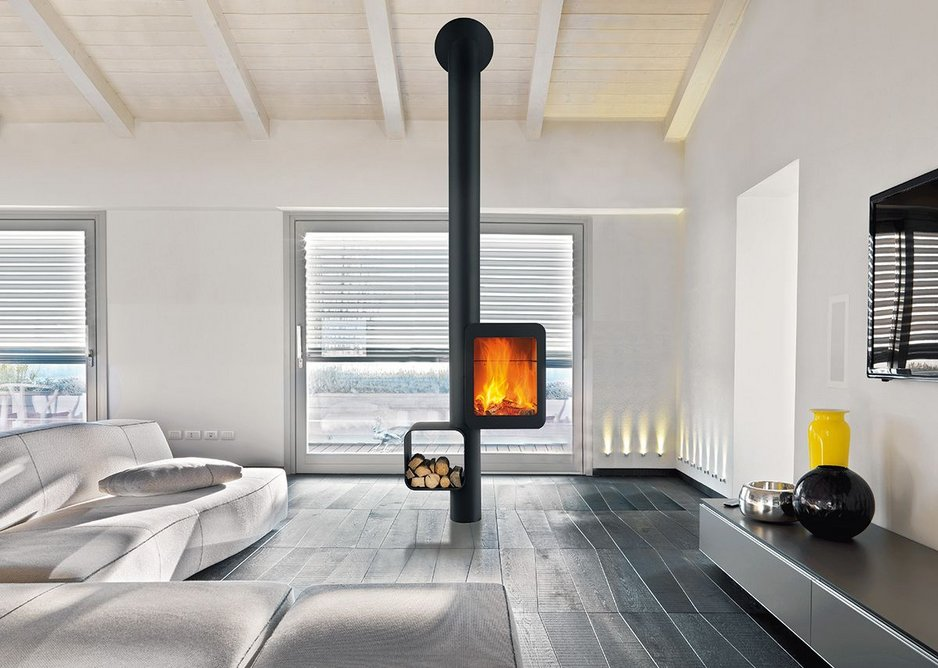 Focus's Grappus high-performance stove is suitable for low-energy buildings.