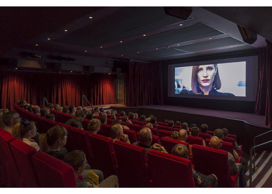 A warm and luxurious cinema. Chester Storyhouse, Bennetts Associates.