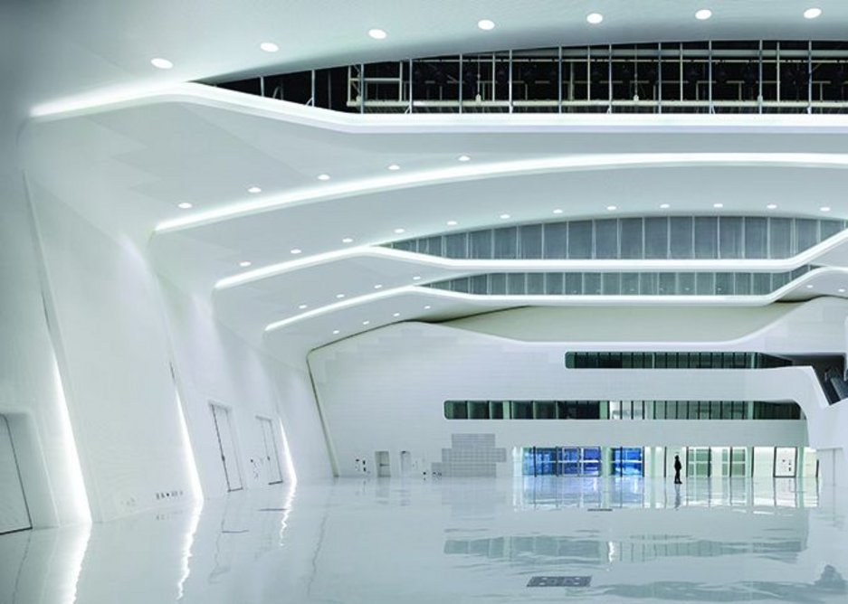 The 1600m2 convention hall (one of six major spaces ranging between 1200m2 and 3000m2).