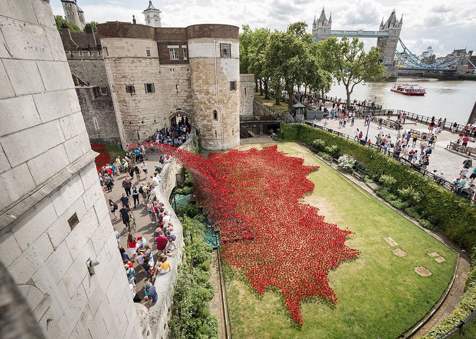 Pro-tem award – Blood Swept Lands and Seas of Red by Paul Cummins, at the Tower of London.