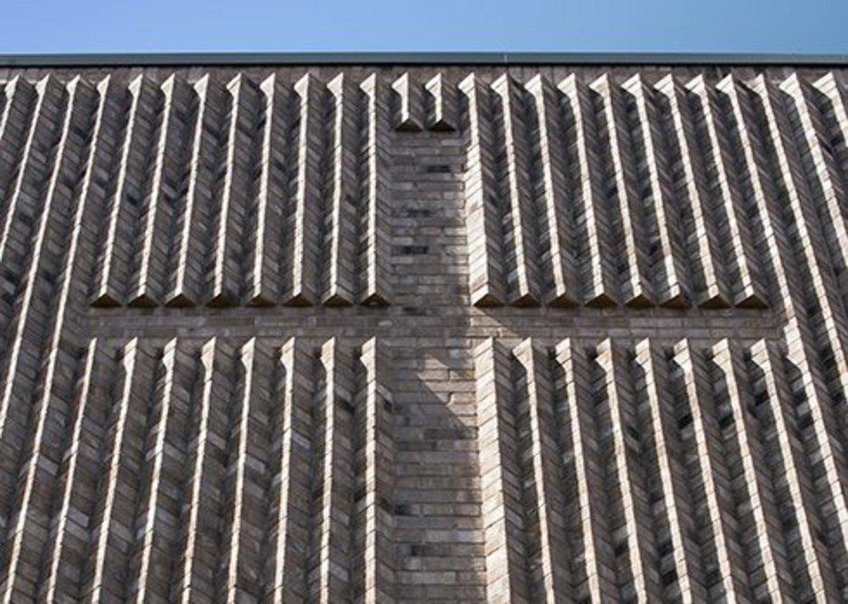 Michelmersh's Floren Vega Rustic brick at Crossway United Reformed Church, Elephant and Castle. Architects Van Heyningen & Haward. Shortlisted RICS London Awards 2018.